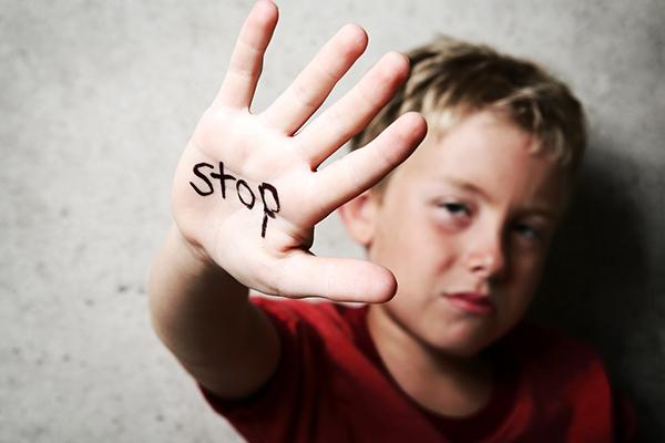 ปัญหาความรุนแรงส่งผลระยะยาวต่อเด็ก ไปจนถึงช่วงวัยรุ่น
